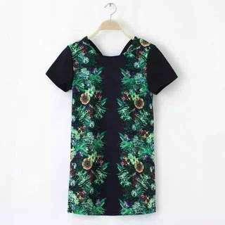 🆕🆕🆕 Floral blouse Can fit to L Pre order #320pesos