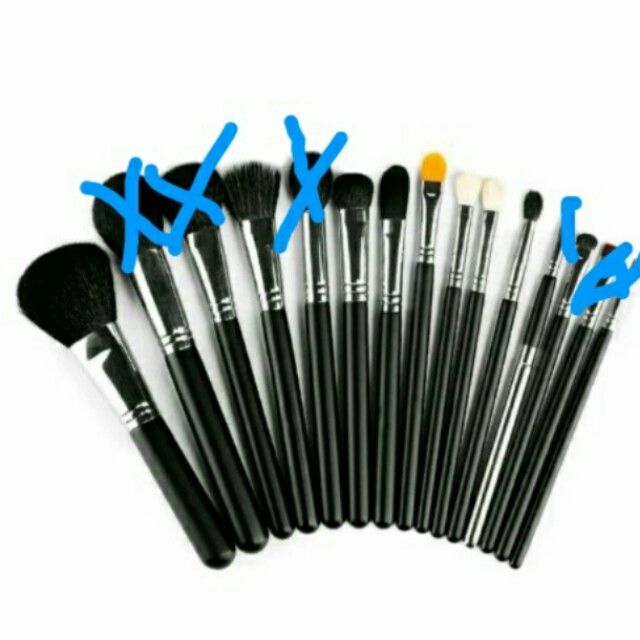 9 x Makeup Brushes