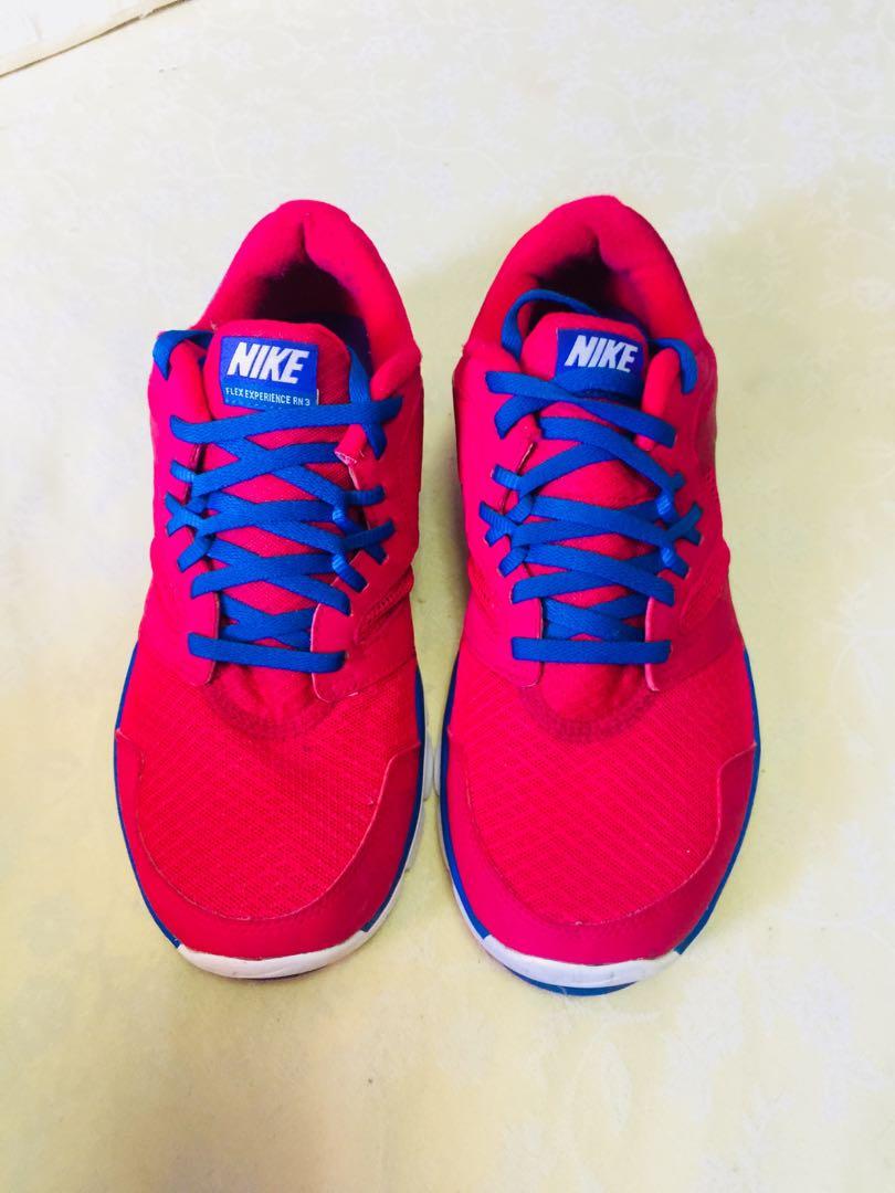 Authentic nike flex shoes!
