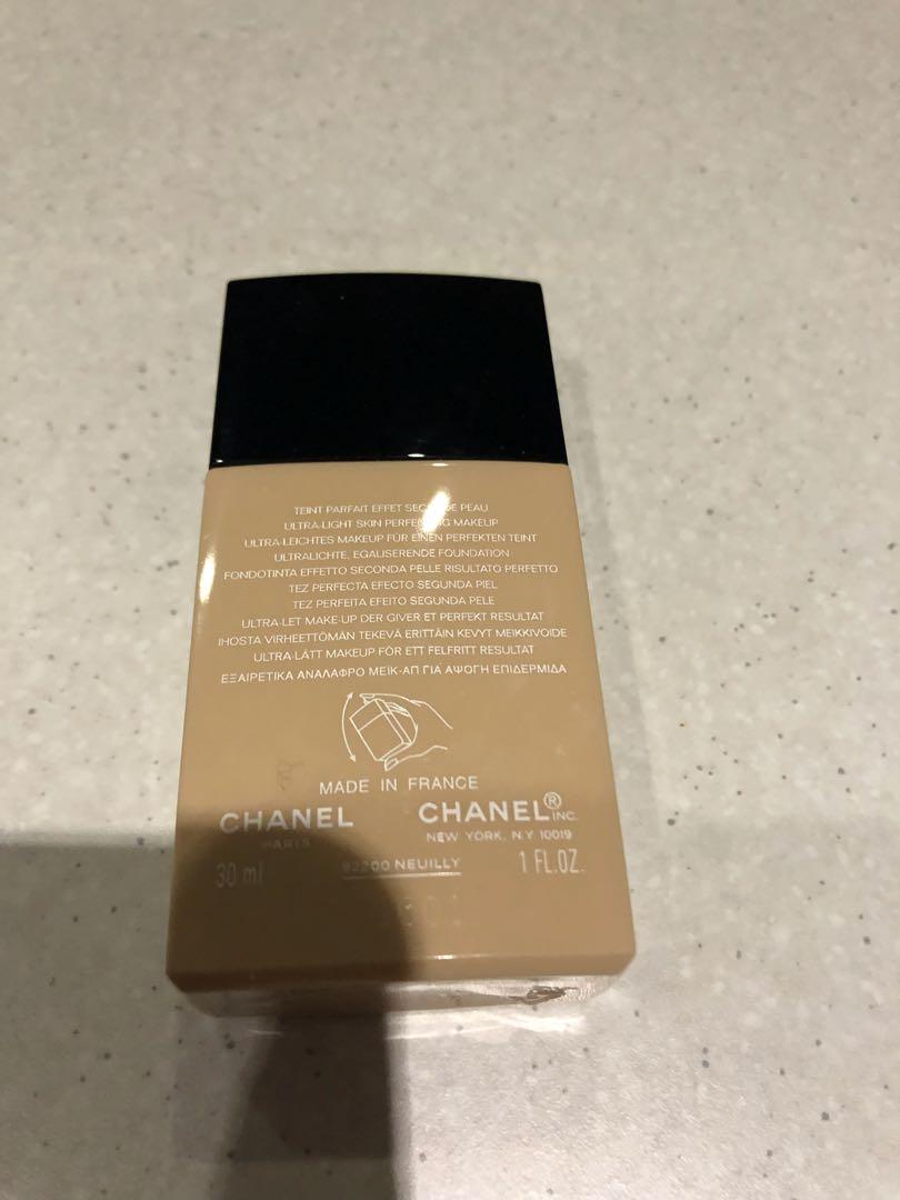 Chanel Ultra light foundation