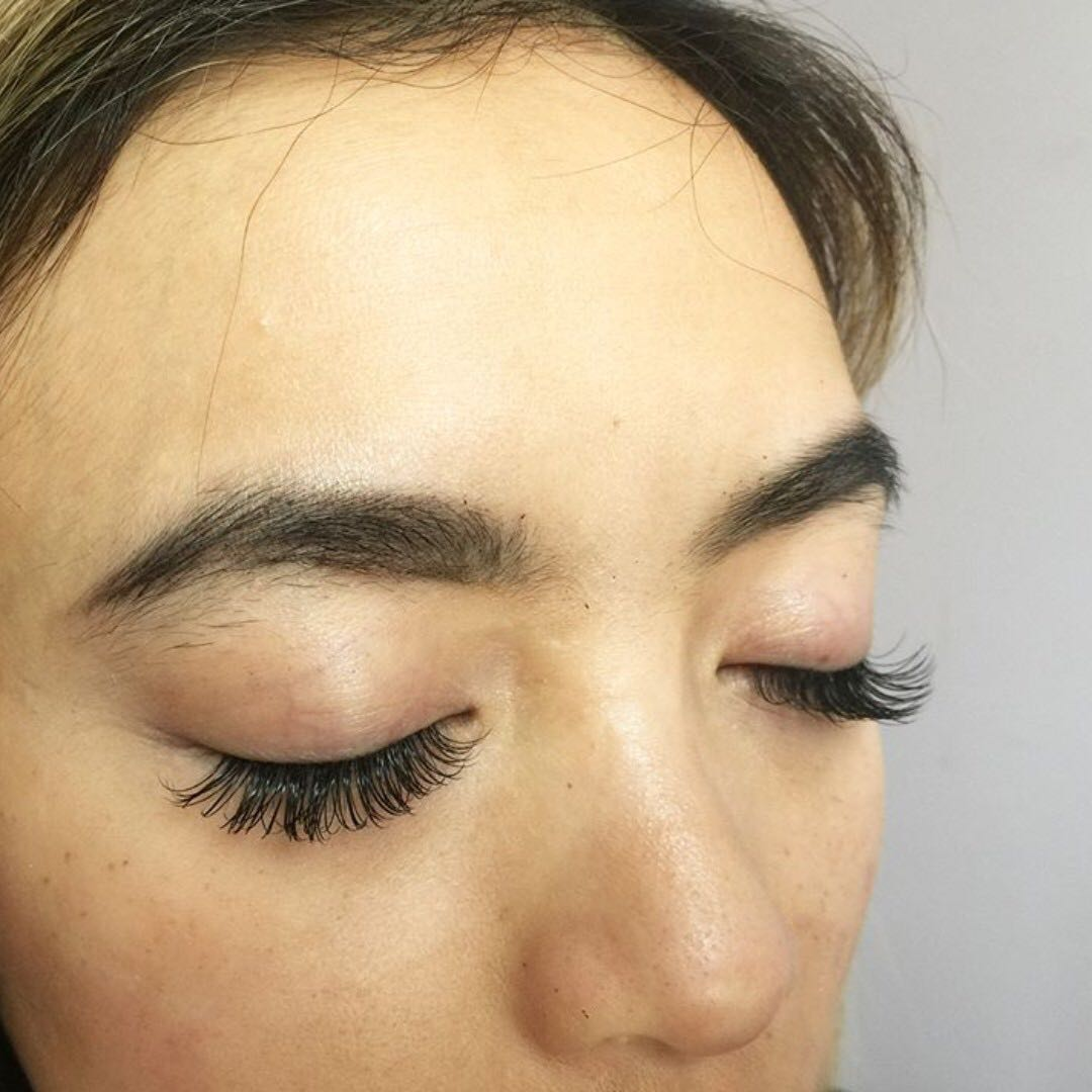 EYELASH EXTENSIONS + PROM SPECIAL