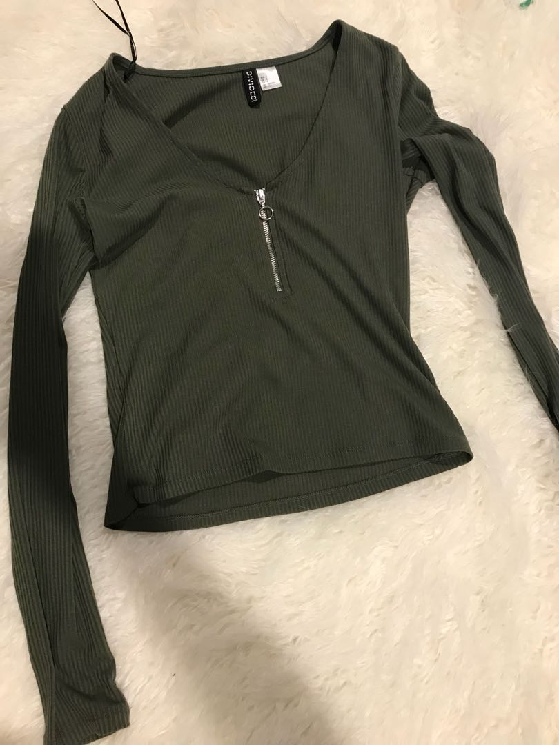 H&M Divided Ring Zip Long Sleeve