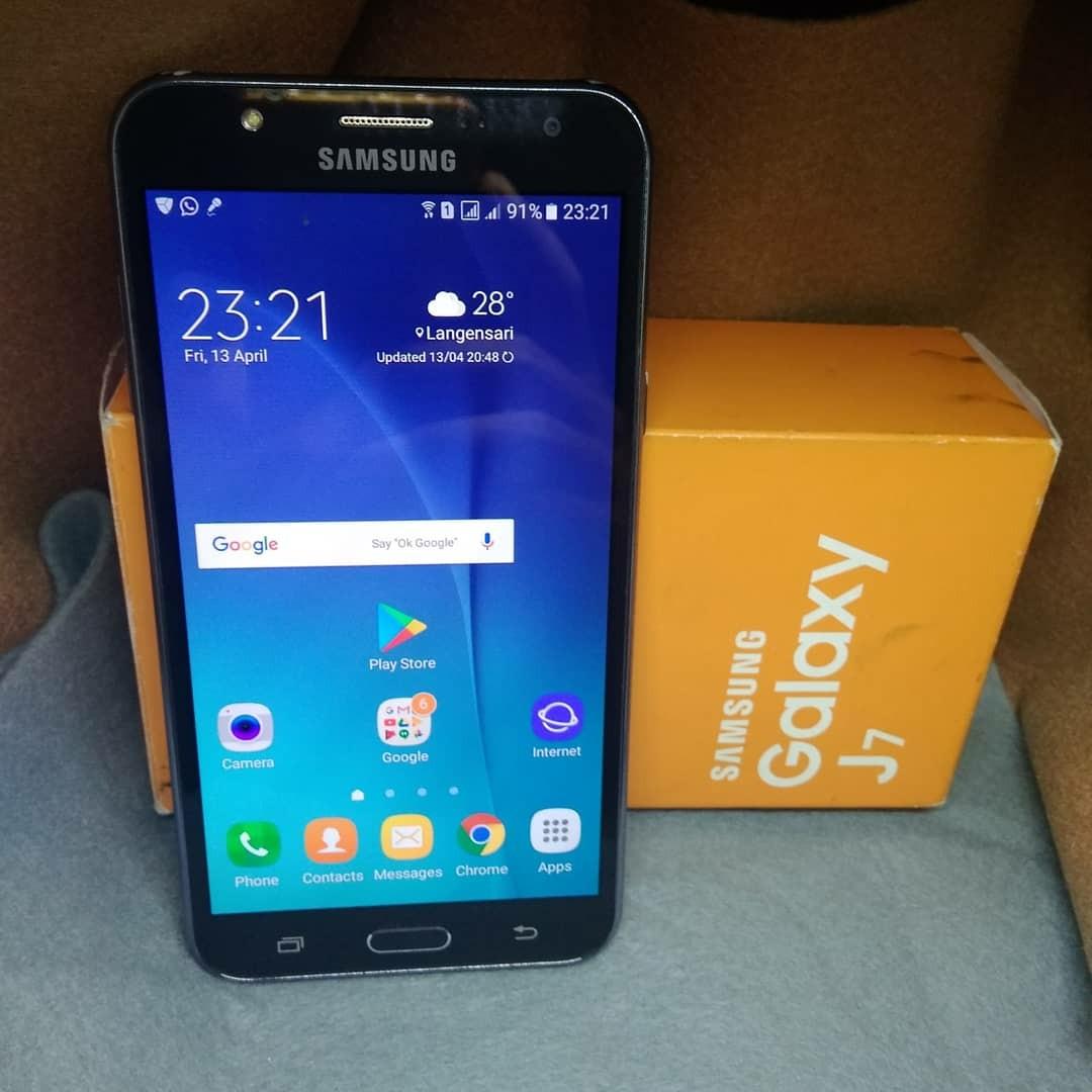 Jual Cepat Samsung Galaxy J7 Mulus No Minus Elektronik Telepon