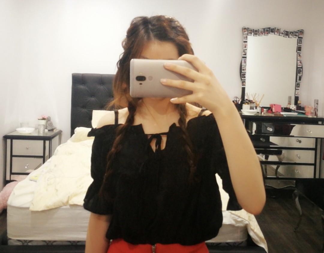 kanzi off the shoulder black top