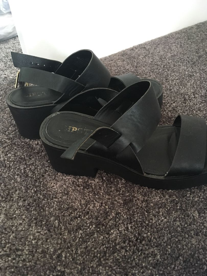 Lipstik Black Platforms