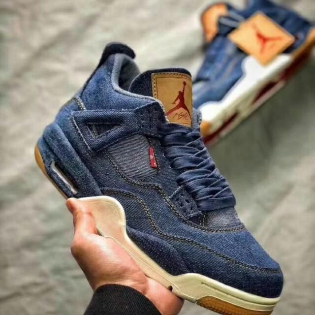 068cdda0f022 Nike Air Jordan 4 Retro x Levi