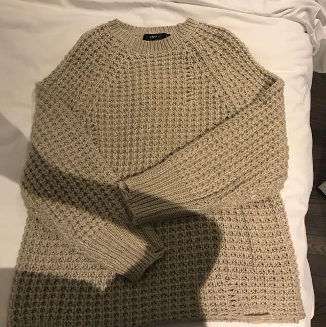 oversized distressed knit zara top