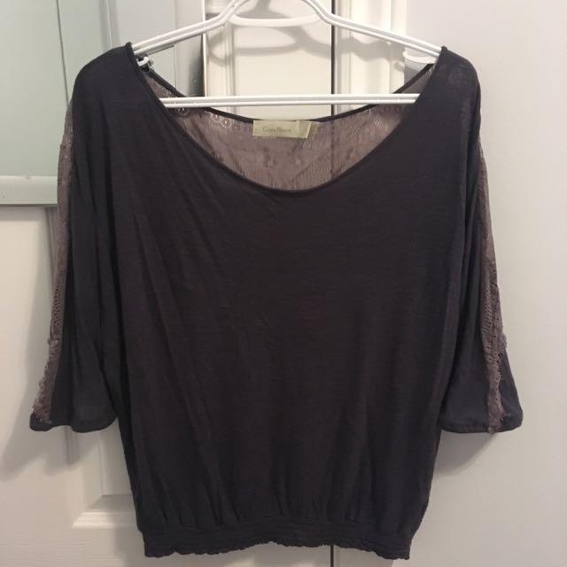 Short sleeved shirt