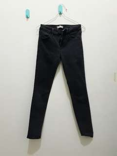 UNIQLO BLACK JEANS/DENIM