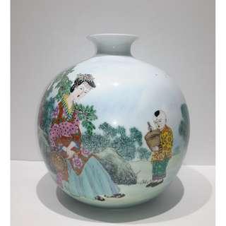 國大師蔡玲玲 -「母子情深」粉彩、古彩、新彩天球瓷瓶