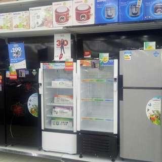 Showcase dan kulkas bisa di cicil cukup bayar 199.000