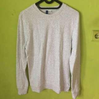 divided sweater panjang white