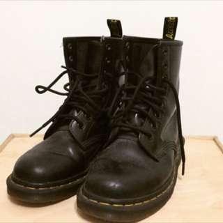 🚚 馬汀鞋黑色八孔Mr.Martens