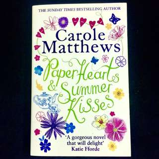 Paper Hearts & Summer Kisses by Carole Matthews (chicklit romance family book)