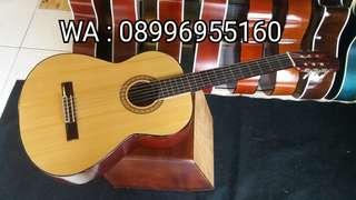 Gitar Akustik Klasik Nylon