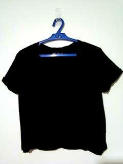 Black semi croptop