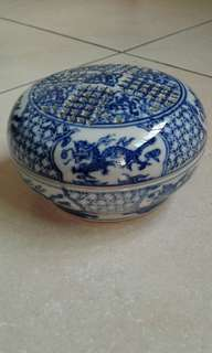 Ceramic Blue & White Receptacle