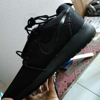 Nike Rhose Run Made In Vietnam