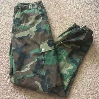 GREEN CAMO PANTS
