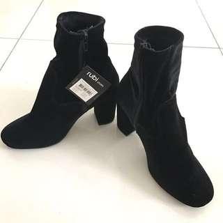RTP: $50 😱 Rubi shoes suede velvet black sock boots