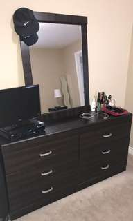 Bedroom 6 drawer dresser set with mirror
