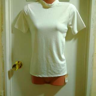 Brandnew Turtleneck Short Sleeve with tag