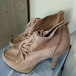 Forever 21 Suede Boots Size 7