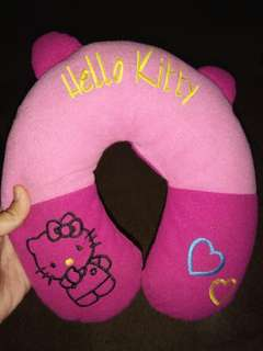 Bantal hellokitty