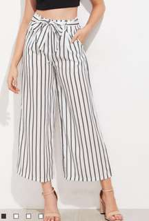 Black and white stripped culottes / pants