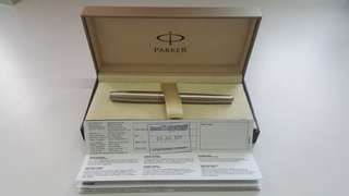 Parker Sonnet Stainless steel with medium steel nib