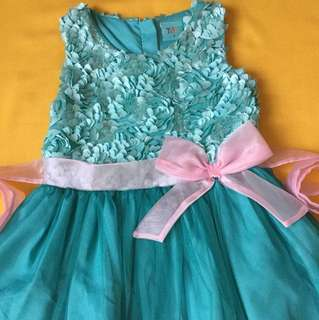 Dress with pink bow
