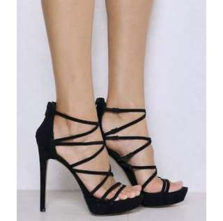 LIPSTIK Black heels