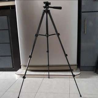 Light weight Tripod for camera and phone (Black)