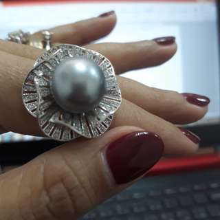 Ring. Size 5. Authentic south sea pearl