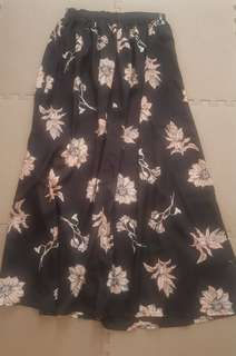 Floral maxi skirt with side slits