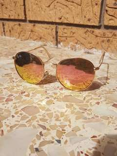 Round gold/pink Ray Bans