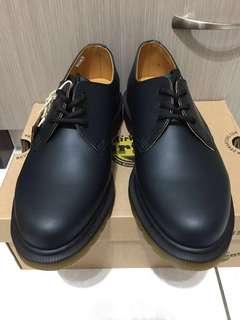 🚚 全新正版Dr.Martens馬丁大夫經典1461 3孔 Navy smooth leather深藍色藏青色滑面硬皮真皮牛皮底筒3孔鞋大碼女鞋小碼男鞋UK6