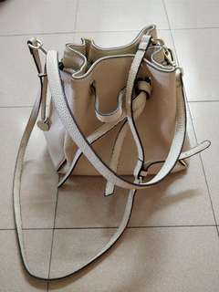 OBERMAIN leather handbag with adjustable shoulder strap