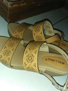 Sepatu weegest