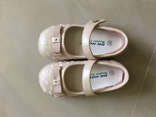 Dr. Kong Baby shoes w/box (size 22)