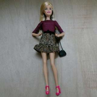 Fashionistas Barbie - Millie Headmold With Straight Hair/black Highlight At The Back