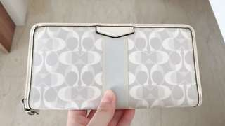 Coach Zip Wallet (White), Authentic, Preloved