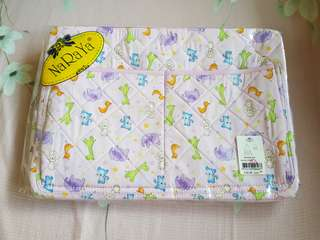 Naraya mother's/diaper bag with matching changing pad