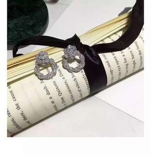 山茶花鑲石銀針耳環 Camellia Flower Earring