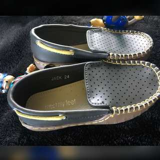Meet My Feet Gray Topsider Shoes - Size 24