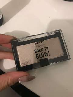 NYX born to Glow highlighter