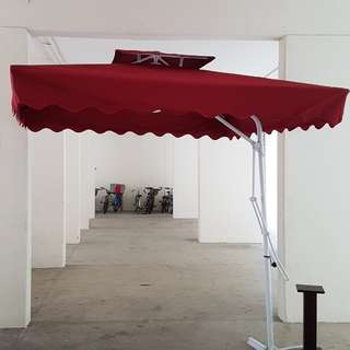 Outdoor Umbrella in maroon