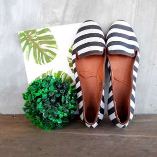 H&M Black/White striped flats (only worn once)