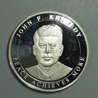 2004年 甘迺迪 500 liras