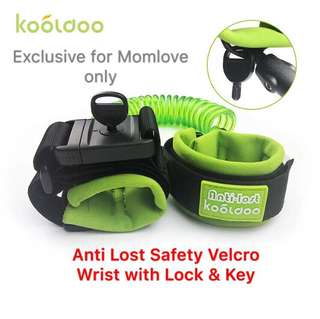 🌈(Ready Stock) Brand New Baby Child Anti Lost Safety Velcro Wrist Link With Lock and Key, Adjustable Wrist Leash Harness Strap Rope Tracker Walking Strap For Toddlers, Babies, Kids, Green/Orange (1.5 meter)